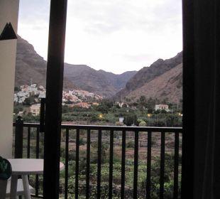 Ausblick aus dem Zimmer (vom Bett aus!) Hotel Gran Rey