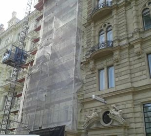 Baustelle nebenan K+K Palais Hotel