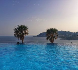 Infinity Pool Playacalida Spa Hotel