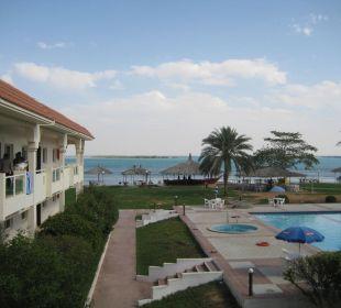 Weg zum Pool Hotel Flamingo Beach Resort