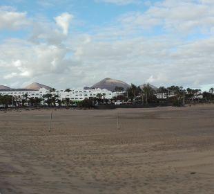 Promenade und Strand  Hotel Las Costas