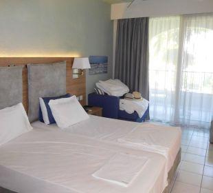 Modernes, geräumiges Zimmer Hotel Acharavi Beach