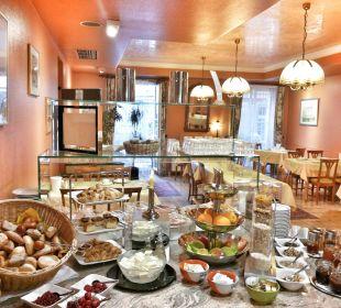 Genießen Sie unser reichhaltiges Frühstücksbuffet Hotel Deutscher Kaiser im Centrum