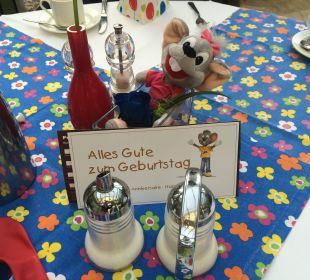 Geburtstagtisch beim Frühstück Hotel Colosseo Europa-Park