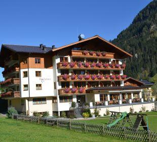 Hotel im Sommer Hotel Roslehen