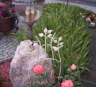 Liebevoll angelegter Garten Haus Kern