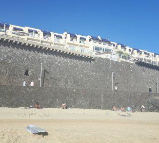 Das Hotel vom Strand aus betrachtet. Hotel XQ El Palacete