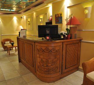 La réception Grand Hotel De Nantes