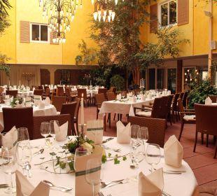 Atrium - festlich eingedeckt Ringhotel Paulsen