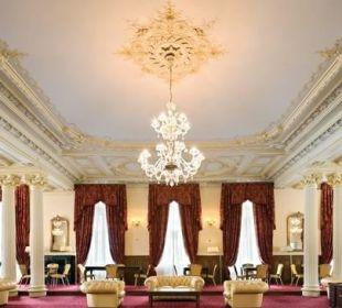 Lobby im Jugenstil Hotel Reine Victoria by Laudinella