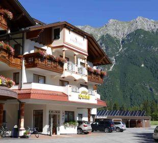 Hotel - Vorderseite Alpenhotel Karwendel