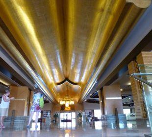 Beeindruckende Lobby Hotel Royal Dragon