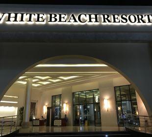 Lobby White Beach Resort