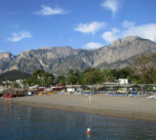 Blick auf Strand und Berge Kilikya Palace Göynük