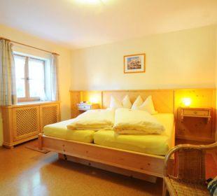 Schlafzimmer in der Ferienwohnung Irmengard. Wimmerhof Ising