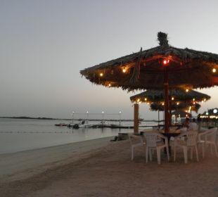 Abends am Strand Hotel Flamingo Beach Resort