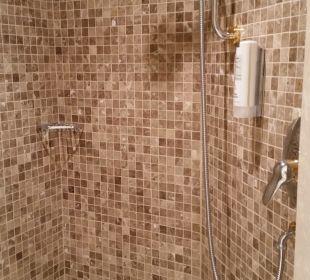Die grosse Dusche Hotel Schwarzenstein