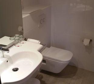 Waschbecken und Toilette Hotel JS Alcudi Mar
