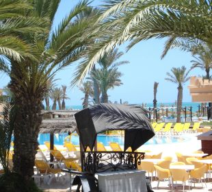 Blick von Terrasse Richtung Pool/Meer Hotel Safira Palms