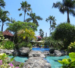 Gemeinschaftspool Villas Parigata Resort