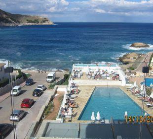 Ausblick auf Pool und Meer Mar Azul PurEstil  Hotel & Spa
