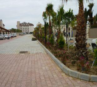Neue Straße zwischen Haupt-u.Nebenhaus Hotel Side Crown Palace