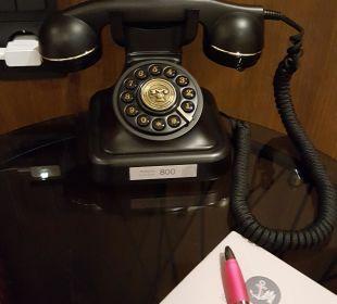 Old School Telefon auf dem Zimmer AMERON Hotel Speicherstadt Hamburg