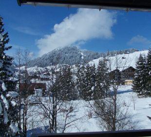Nach dem Schnee kam die Sonne Sporthotel Walliser