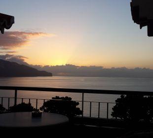 Sonnenaufgang über Funchal Hotel The Cliff Bay (PortoBay)
