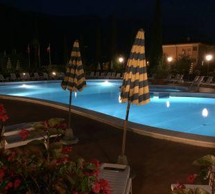 Am unteren Pool Hotel Caravel