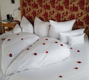 Zimmerdeko zu unserem Hochzeitstag Hotel Staudacherhof