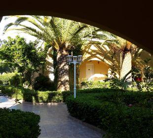 Gartenanlage  Vantaris Beach Hotel