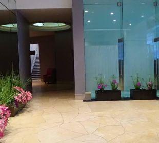Concierge... Hotel Hilton Niagara Falls / Fallsview