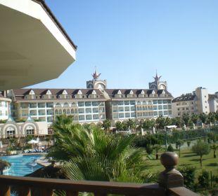 Schöner Blick auf das Palace Hotel Side Crown Palace
