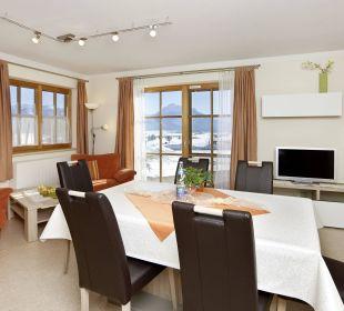 Wohnzimmer neue Möbel, FEWO Schlossblick Ferienwohnungen Berghof Kinker