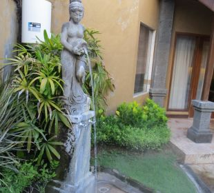 Dusche am Privat-Pool Villas Parigata Resort