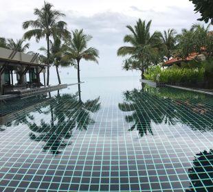 Pool und Meerblick Hotel Chong Fah Beach Resort