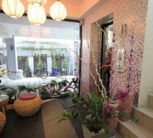 Vor dem Fahrstuhl Hotel Lilac Relax-Residence