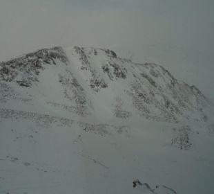 Ausblick von Zimmer 133 Glacier Hotel Grawand