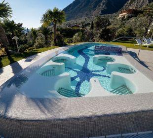Grande vasca idromassaggio a sfioro, riscaldata  Park Hotel Imperial Centro Tao - Natural Medical Spa
