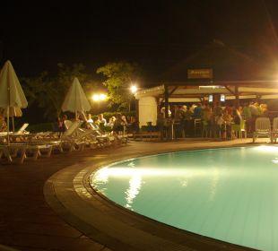Eine der vielen Bars auf dem Gelände Hotel Royal Belvedere