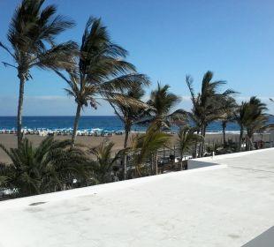 Blick zum Strand vom Zimmer  Hotel Las Costas