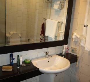 Waschtisch mit Ablage und Spiegel K Hotel