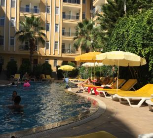 Poolblick Hotel Artemis Princess