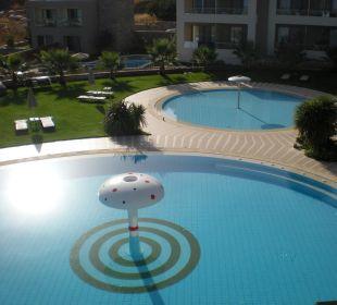 Blick vom Restaurant auf den Pool Hotel Royal Heights Resort