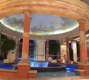 Innenbereich des Pools Hotel Colosseo Europa-Park