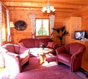Der Geruch frischen Holzes begleitet durch´s Haus. Apartment Hotel Bio-Holzhaus Heimat