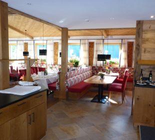 Blick ins Restaurant Hotel Alpenblume