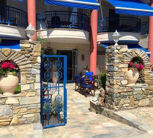 Hoteleingang Hotel Apollon