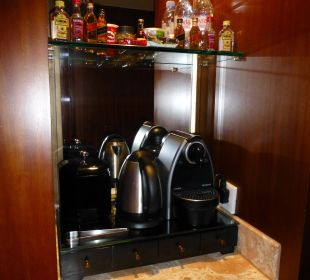 Nespresso Executive Harbour View Room Nr. 6108 Conrad Hong Kong